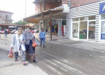 Ромите в Пазарджик негодуват: Глоба за бурка, а за секс в парка - не?!