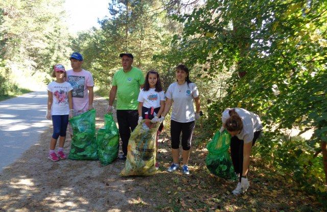 5154 доброволци почистиха Пазарджик и областта - 1