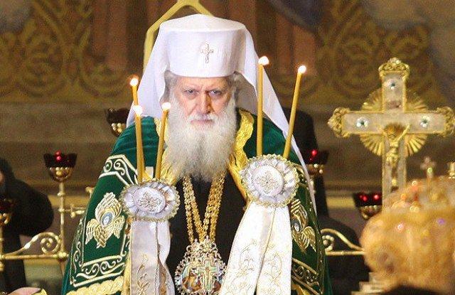Патриарх Неофит стана на 72 г.