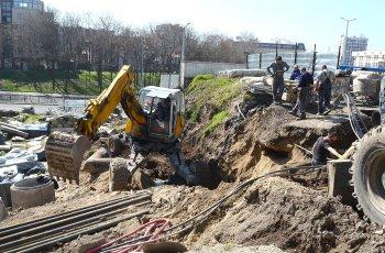 Понеделник пазарът става строителна площадка