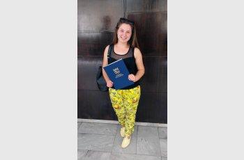Слънчевата Сибел: Искам да живея и работя в България!