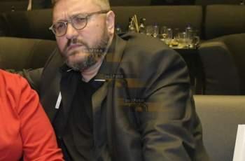 Мошеник завъртя на малкия си пръст Мартин Карбовски