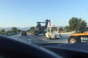 Камион тегли авариралия хеликоптер към Крумово СНИМКИ