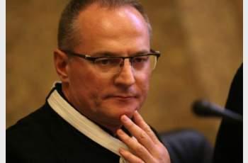 НАП погна Лозан Панов, съдията се крие от данъчнитe