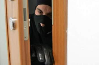 Внимание, крадци! Как да опазим жилището си, докато сме на почивка ВИДЕО