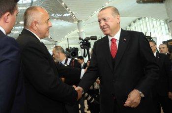 Ердоган и Борисов при откриването на мегалетището - ръкостискане между съюзници