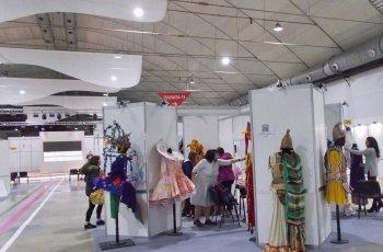 В панаира показват модата на бъдещето
