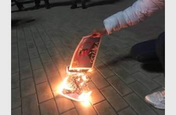 Казанлъчани горят снимка на вицепремиера Валери Симеонов