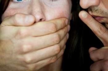 Зверство! 46-годишен изнасили приятелка на дъщеря си