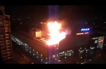 Огнен ад в турски МОЛ, спасиха 18 ВИДЕО