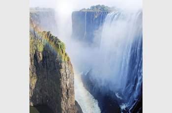 Денят 17 ноември: Ливингстън открива водопада Виктория