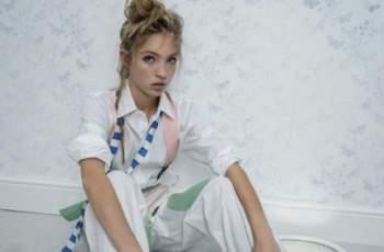 Дъщерята на Кейт Мос напът да я засенчи СНИМКИ