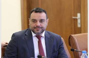 Без дебати приеха подадената оставка на депутата от ГЕРБ и бивш министър Московски