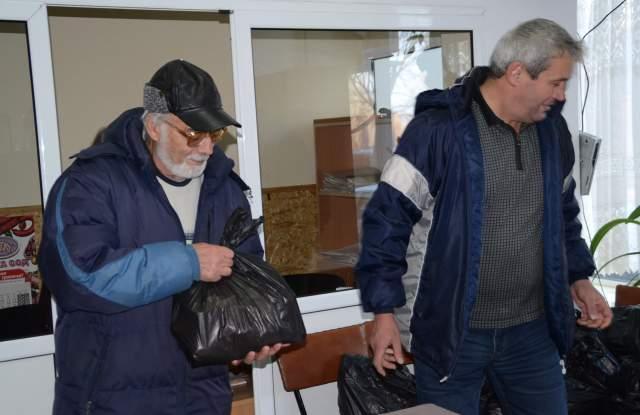 330 души получават хранителни пакети от Клуба на инвалидите