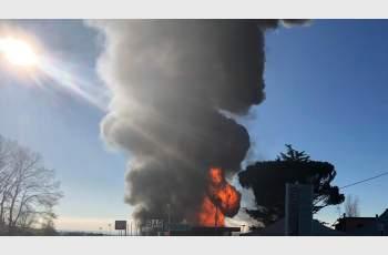 2 загинали и 10 ранени при взрив на бензиностанция до Рим СНИМКИ