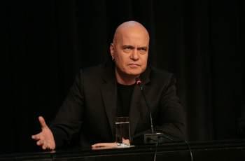 Слави вкара в интрига една от най-известните българки СНИМКА