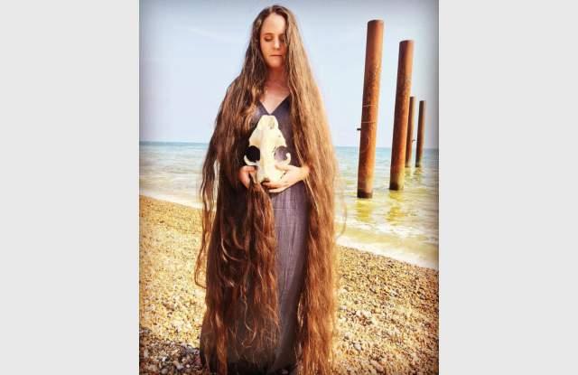 Съвременна Рапунцел не си мие косата от 20 години