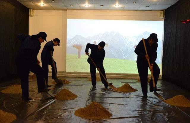 Пловдивски художнички прокопаха тунел до Алпите