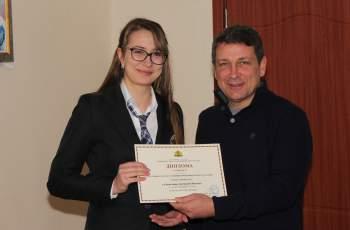 Ученичка от Езиковата на второ място в Национално състезание
