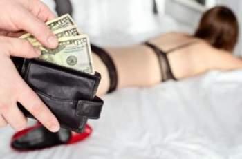 Братовчеди карали насила свиленградчанка да проституира