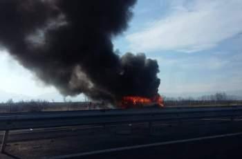 ИЗВЪНРЕДНО! Бус пламна на магистралата край Пловдив