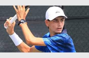 Кирков четвъртфиналист на държавното по тенис