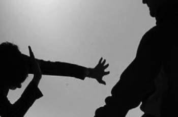 Младеж преби съседката си в Садово