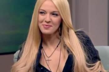 Натали Трифонова показа майка си и счупи мрежата СНИМКА