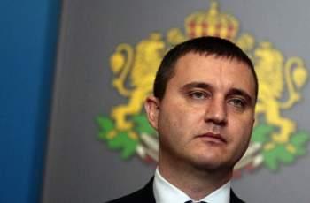 Горанов склонил да отложи смяната на касовите апарати