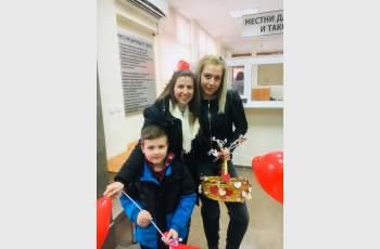 Младежи от ГЕРБ с празнични изненади в 3 града