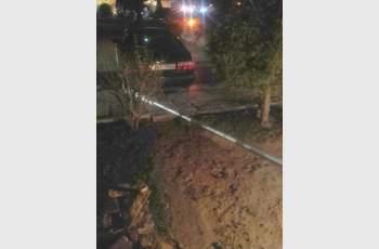 Уникална катастрофа: Кола тръгна сама и събори стълб от...