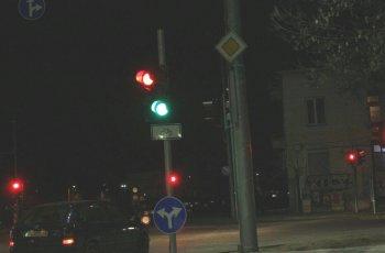 """Само в """"Марица"""": Светофари карат шофьори да газят закона"""