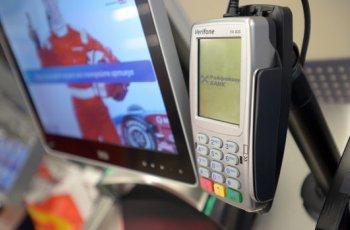 Търговци без софтуер сменят касовите апарати до края на март