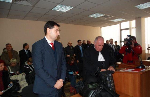Политическата кариера на Иван Тотев трябваше да е свършила още преди да започне