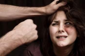 Бабаит счупи ръцете на жена си с бухалка