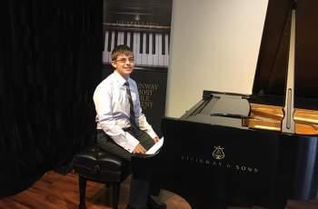 Талантлив пианист от Белово прослави родината в САЩ
