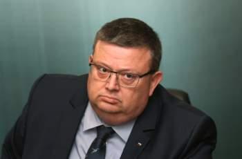 Цацаров взе на мушка палата на червен депутат СНИМКА