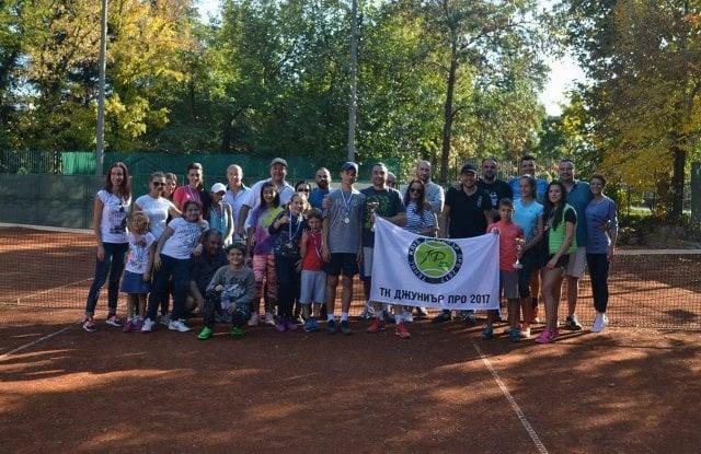 Конкуренцията е панацея за интерес към тениса в Пловдив