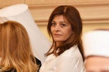 Майката на Деси Радева върти бизнес с имоти