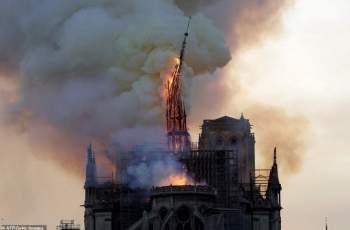 """Точно в 18,50: Катедрали бият камбаните за """"Нотр Дам"""""""