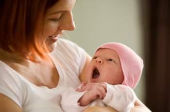 Насърчават раждаемостта с талони за отстъпка и подаръци
