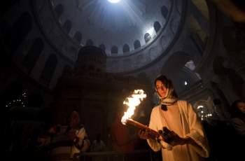 Благодатният огън пристигна в България