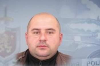 Пети ден търсят убиeца от Костенец, застрелял жена си