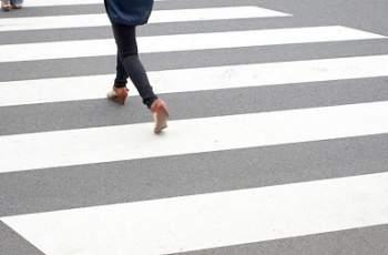 Лек автомобил помете момиче на зебра в Асеновград