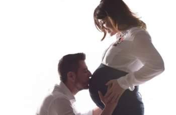 Първи СНИМКИ на Петя Дикова и бебето й