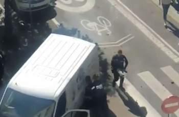 Ад: Шофьор на бял бус гази пешеходци в Мадрид ВИДЕО