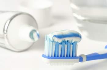 Опасна ли е пастата за зъби? Избягвайте тези 10 съставки