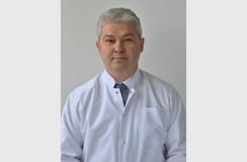 "Водещият уролог доц. д-р Цветин Генадиев оперира в ""Уни..."