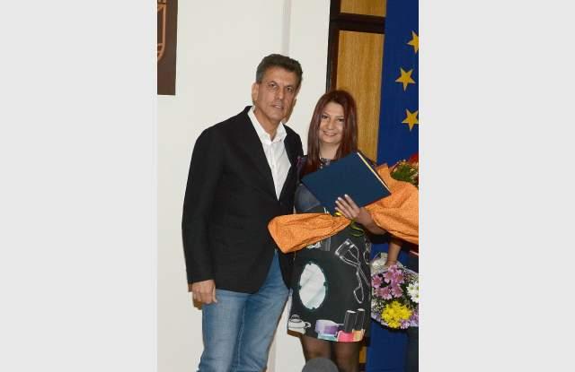 Стипендиантки на майките са наградените от кмета спортистки
