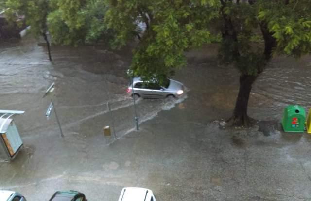 Страховит потоп и градушка в Пловдив СНИМКИ и ВИДЕО